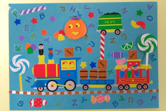 小児病棟の壁面飾り「ドングリのおうち」