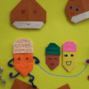 小児病棟2009秋の壁面飾り「大きな木」| 岐阜大学医学部附属病院 小児病棟 わたぼうしの会