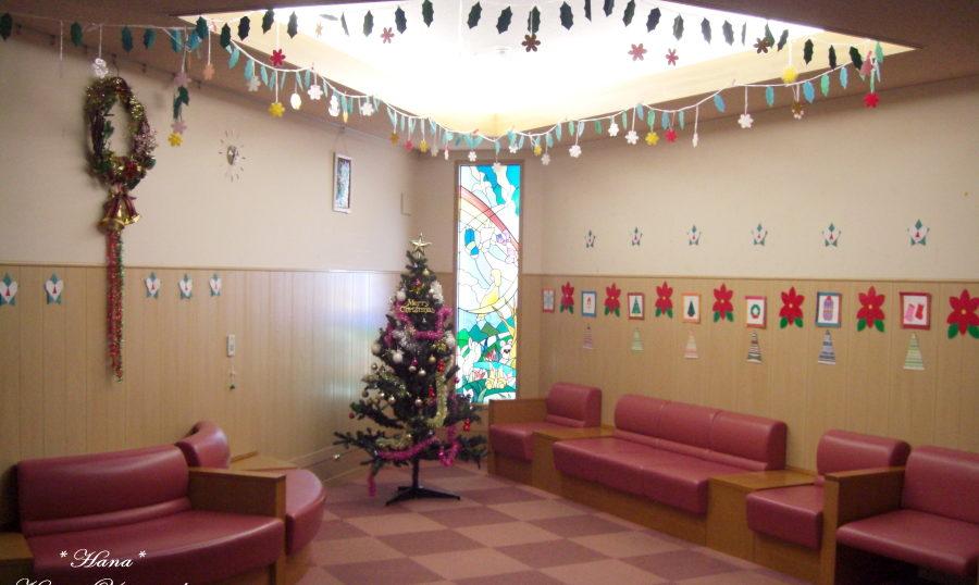小児病棟のクリスマス壁面飾り