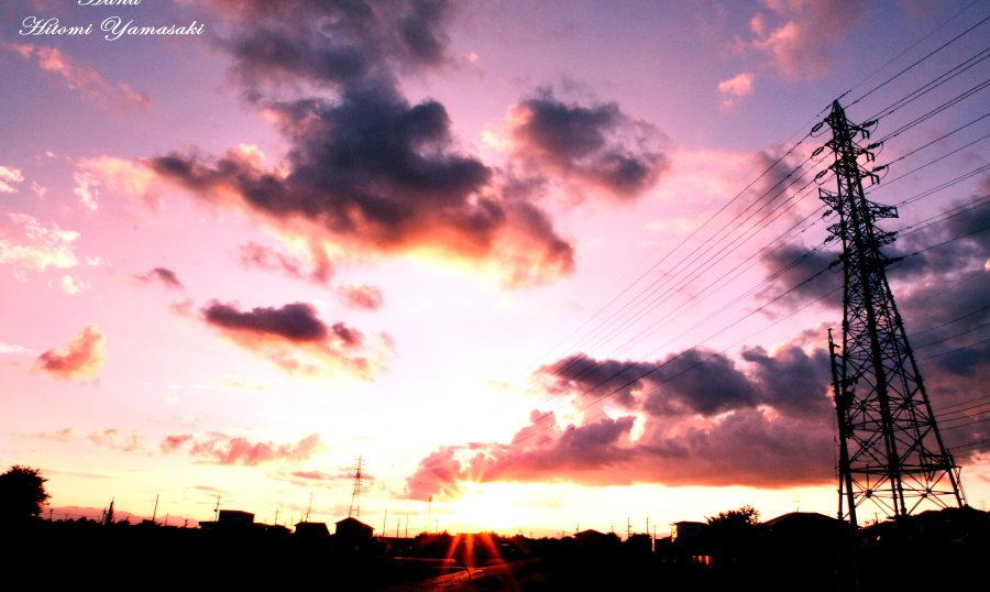 夕焼けと鉄塔
